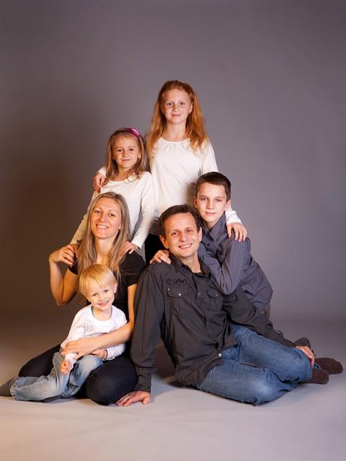 Rodinný studiový portrét