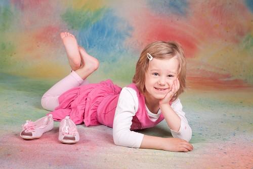 Fotografické pózy dětí vleže