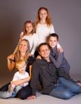 Rodinný studiový portrét|