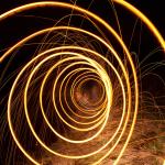 Luminografický tunel s ocelovou vlnou